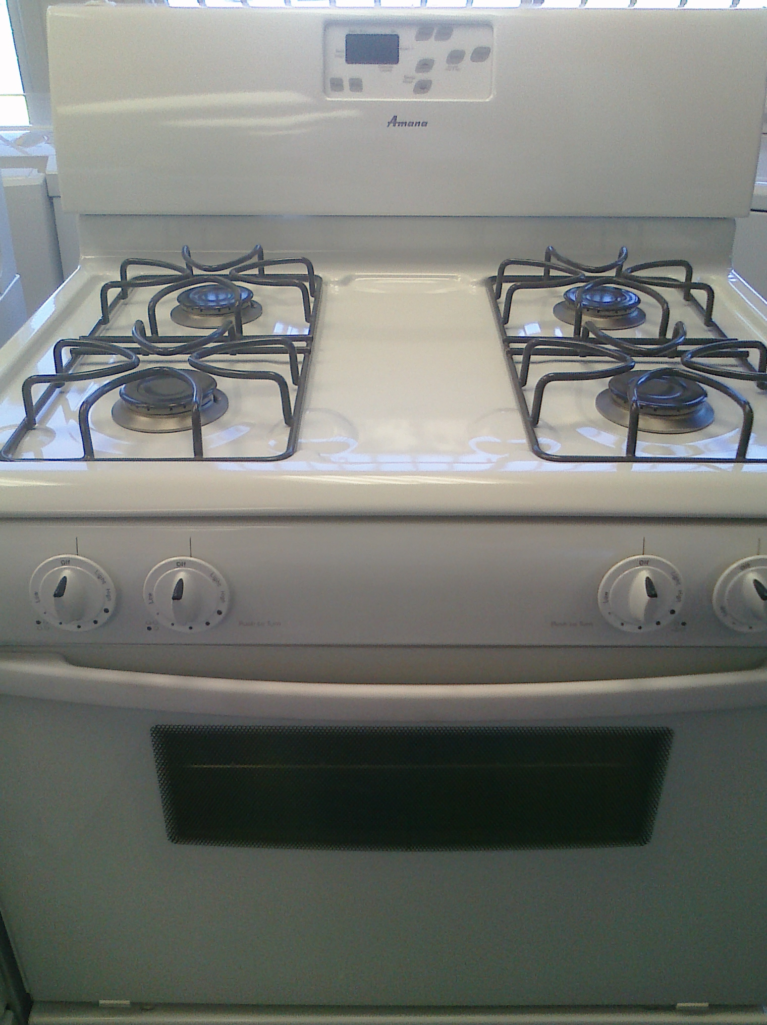 (7) Amana AGR4422VDW 30 inch Gas Range with Window and Timer, White