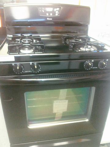 (9) Amana AGR5844VDB 30″ Free-Standing Self-Clean Gas Range, Black