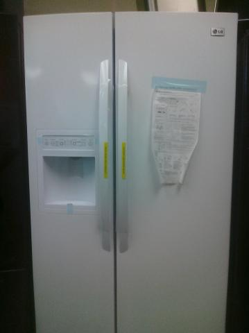 (7) LG LSC27910SW 27 CuFt Side-By-Side Refrigerator With Dispnser, White