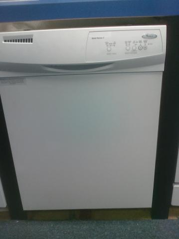 (9) Whirpool DU1014XTXQ 24″ Built-In Dishwasher, White