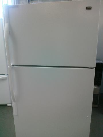 (9) Maytag M1TXEMMWW 20.9 CuFt Top-Mount Refrigerator w/ Factory-Installed Ice Maker, White
