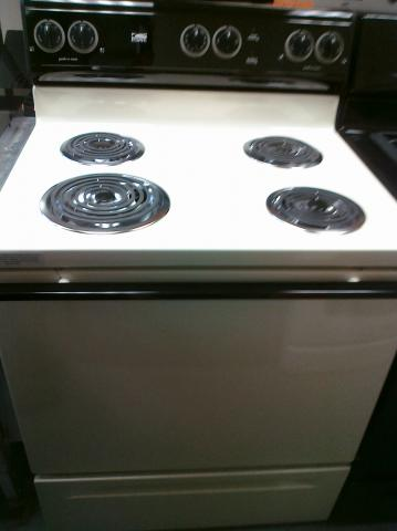 (9) Whirlpool Estate TEP315TV 30″ Free-Standing Electric Coil Range, Bisque