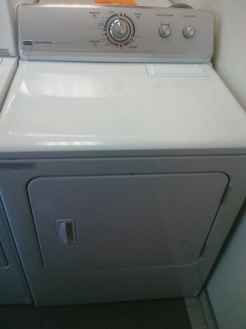 (9) Maytag MEDC400VW Centennial Electric Dryer, White
