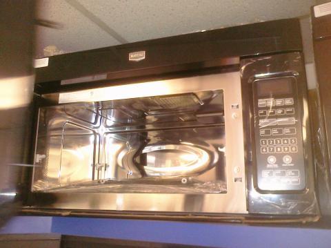 (9) Maytag MMV5208WB 30″ OTR Microwave, Black w/ Stainless Steel Interior