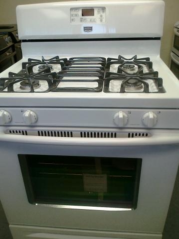 (9) Maytag MGR7662WW 30″ Free-Standing Self-Clean Gas Range, White