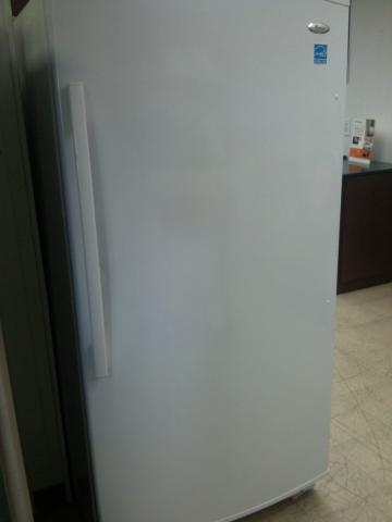 (9) Whirlpool (EV201NZTQ) 20.1 CuFt Energy Star Frost-Free Upright Freezer, Smooth White