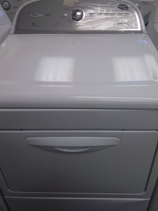 (9) Whirlpool Cabrio WGD5610XW Front Load Gas Dryer, White