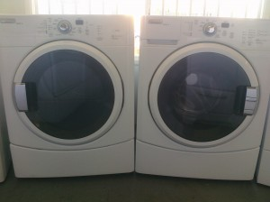 (10) Maytag MHWZ400TQ / MGDZ400TQ EpicZ Front-Load Washer & Gas Dryer, White