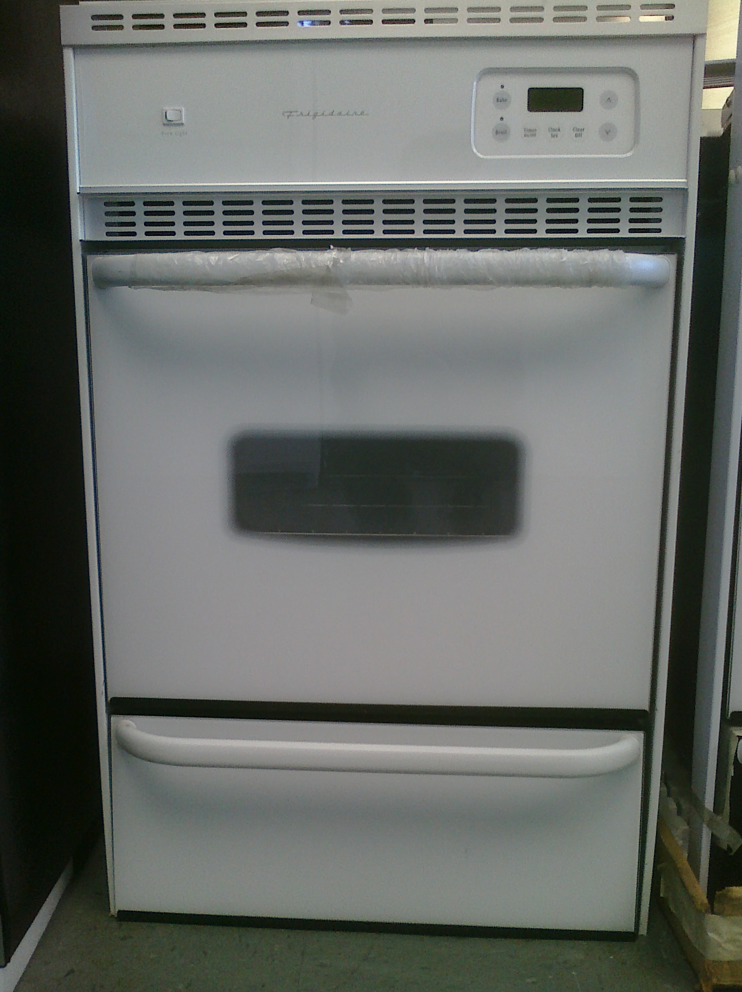7 Frigidaire Fgb24l2as 24 Gas Wall Oven White Feder