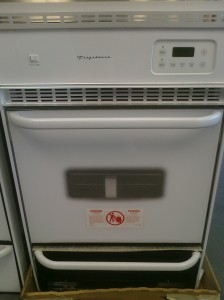 (3) Frigidaire FGB24L2AS 24″ Gas Wall Oven, White