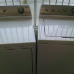 (5) Maytag MAV4755AWW / MDG3706AWW Washer and Gas Dryer, White