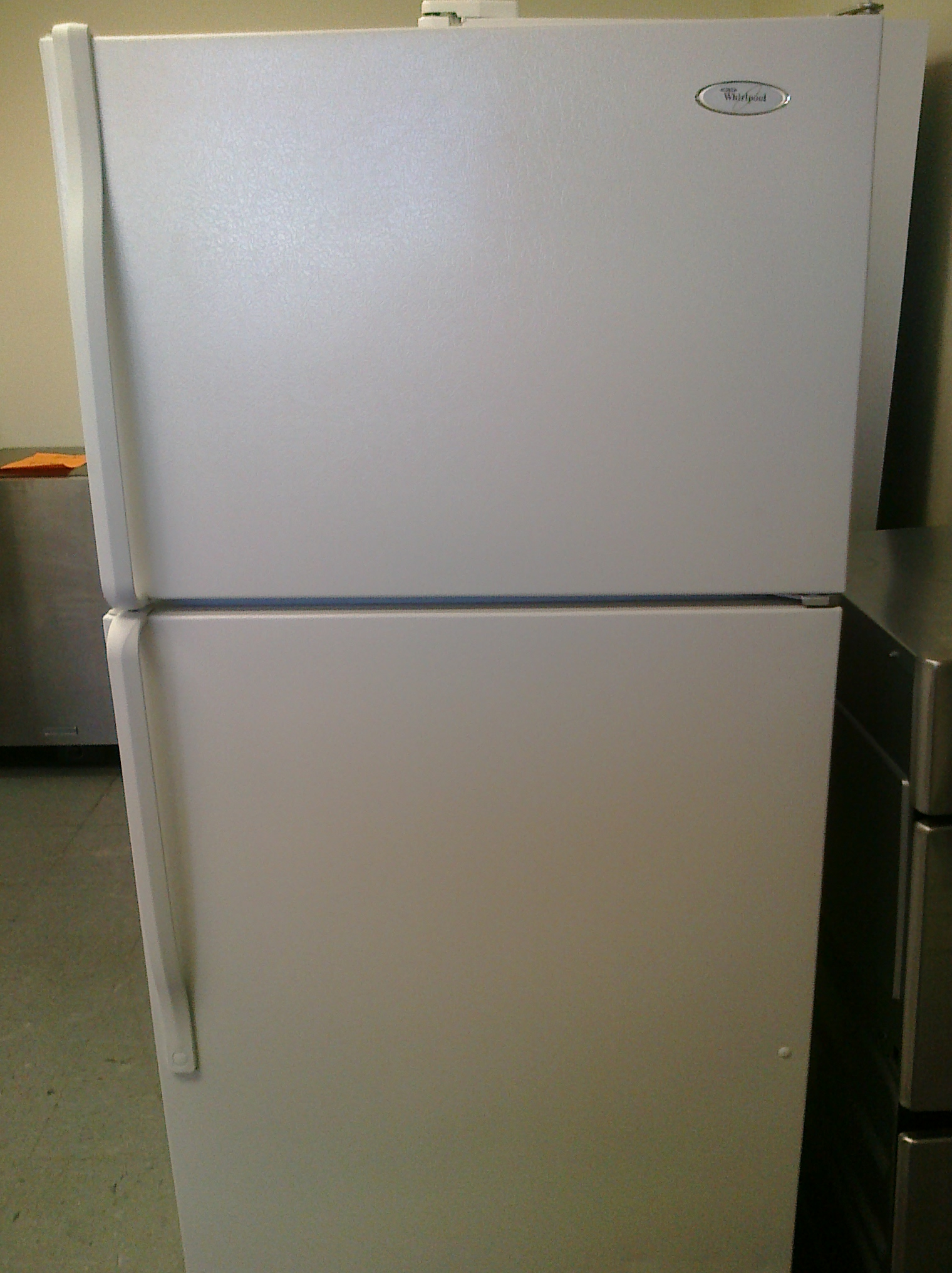 (9) Whirlpool W4TNWFWQ 14 Cubic Foot Top-Mount Refrigerator, White | Feder's Outlet