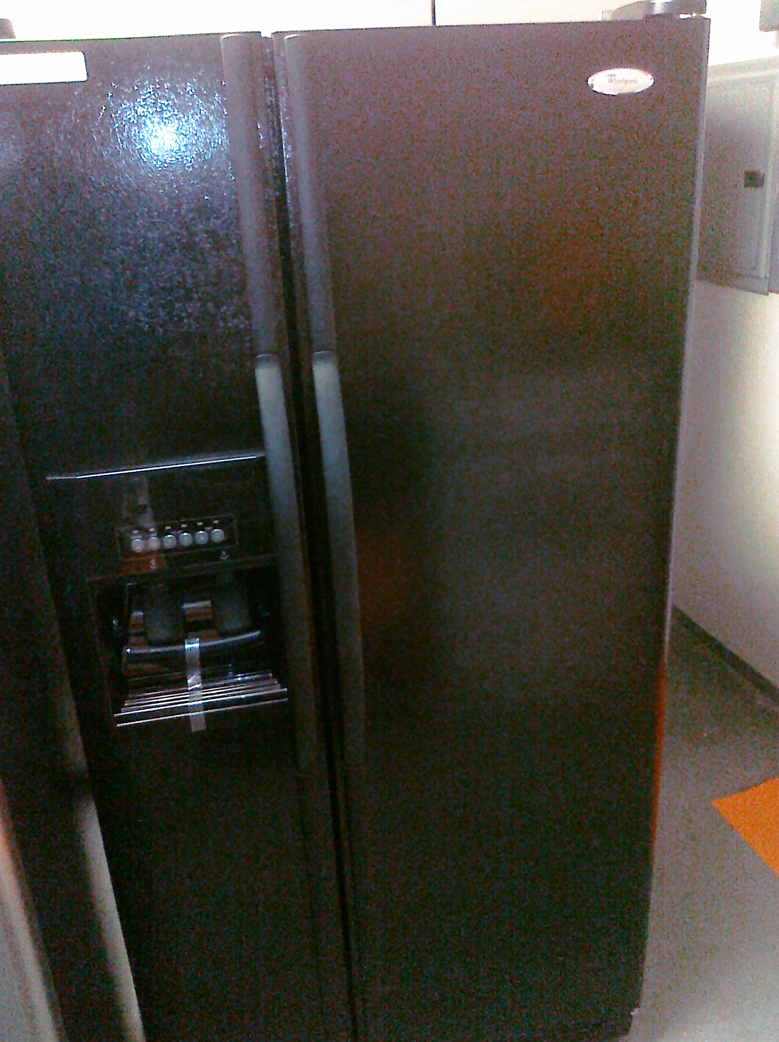 9) Whirlpool ED2VHEXVB 21 7 Cubic Foot Side-By-Side Refrigerator