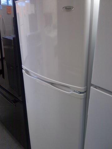 9) Whirlpool ET0MSRXTQ 9.6 CuFt Top-Mount Apartment Refrigerator ...